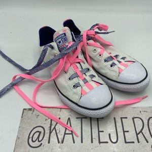 Converse size 6 shoes 🐸*